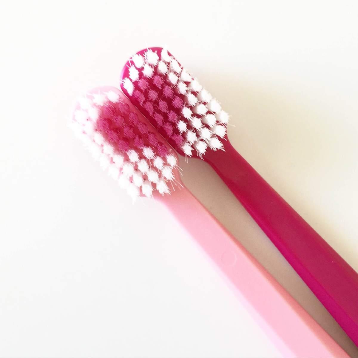 Como escolher uma escova de dentes - Escova Curaprox 5460 | Resenha